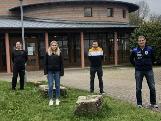 Bild: Manfred Kurz (Leiter SG Scutro), Lisa Greiner, Jonas Eble, Bernhard Eble (Abt.leiter TuS Schuttern)